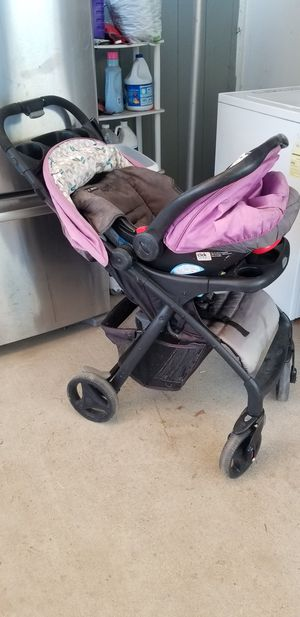 Stroller with carseat for Sale in Parlier, CA