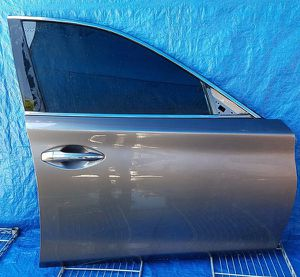 2014 - 2020 INFINITI Q50 FRONT RIGHT PASSENGER SIDE DOOR ASSEMBLY GRAY for Sale in Fort Lauderdale, FL