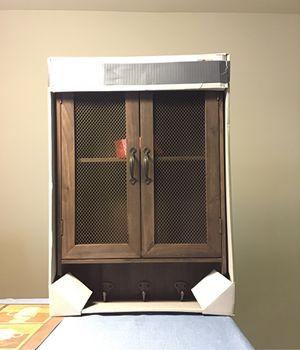 Antique style accent cabinet for Sale in Miami, FL