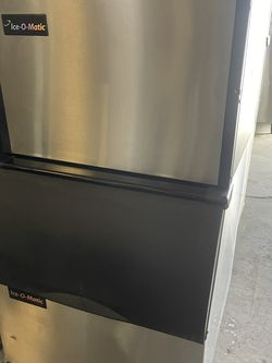 Ice Machine 500lbs Self Contained for Sale in Phoenix,  AZ