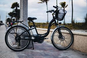 Electric bicycle for Sale in HALNDLE BCH, FL