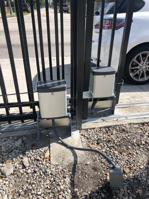 Motor para rejas / sliding gate motor for Sale in Miami, FL