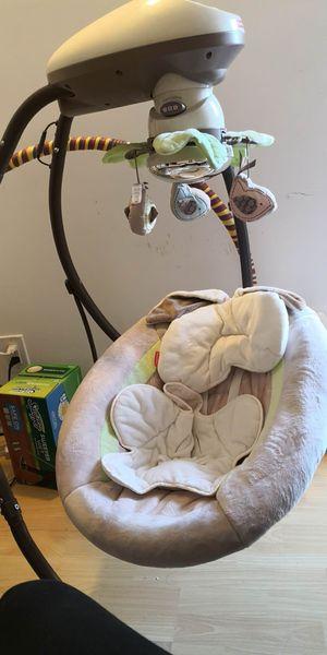 Snuggabunny Baby Swing. for Sale in San Francisco, CA