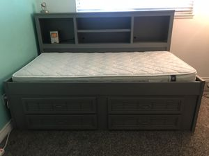 Day Bed with Drawers for Sale in Highland, CA