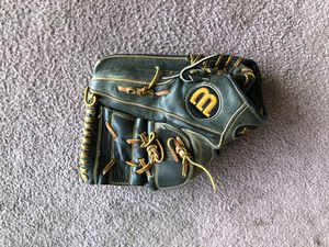 Wilson A2000 Baseball Glove for Sale in Highland, CA