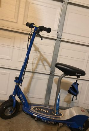 Razor E300s Scooter for Sale in Morris, IL