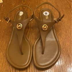 Authentic Michael Kors Brown Leather Sandals Size 9 for Sale in Visalia,  CA