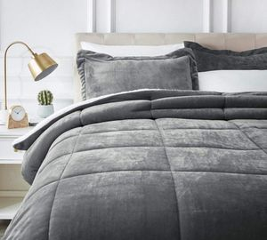 AmazonBasics Ultra-Soft Micromink Sherpa Comforter - King, Charcoal * blanket only* for Sale in Las Vegas, NV
