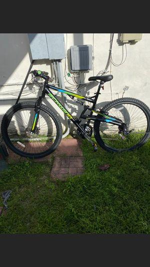 Schwinn mountain bike for Sale in Miami, FL