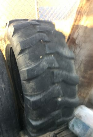Tire 16.9.24 for Sale in Perris, CA