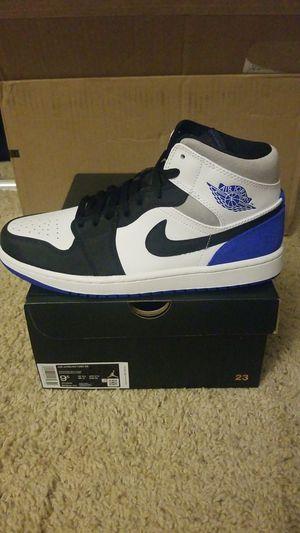 Jordan 1 mid size 9.5 for Sale in Riverside, CA