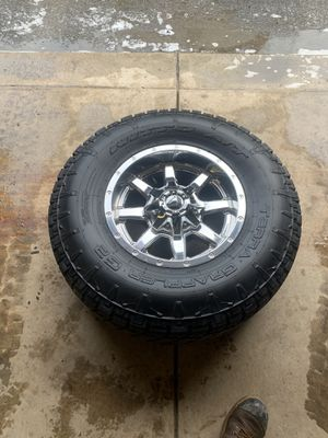 Dodge Ram 2500 rims and tires for Sale in Penn Hills, PA