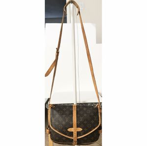 Authentic Louis Vuitton Monogram Saumur Crossbody Shoulder Bag for Sale in West Covina, CA