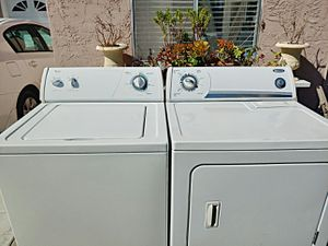 Whirlpool washer and gas dryer set for Sale in Oceanside, CA