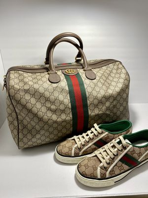 Gucci duffle bag for Sale in Commerce City, CO