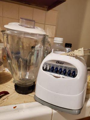 Oster glass jar blender 700w power for Sale in Long Beach, CA