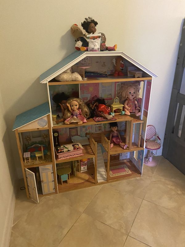 Bunk bed with mattress and Barbie houses not included tv and dolls