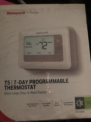 Honeywell model RTH7560E thermostat for Sale in Lexington, NC