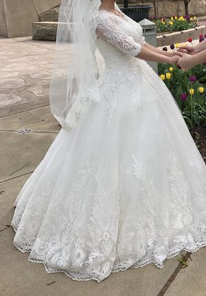 Wedding Dress for Sale in McKees Rocks, PA