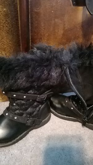 Girls size 8c black boots for Sale in Wilkes-Barre, PA