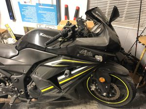 Kawasaki ninja 250. $3500.00. for Sale in Victoria, TX