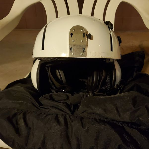 Gentex SPH-5 flight helmet. In good shape with both screens, smoked and clear. Boom mic. Make a reasonable offer.