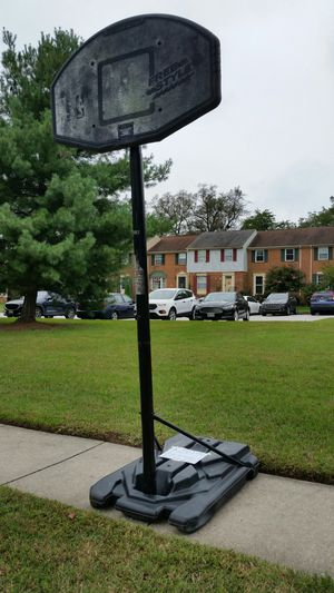 Basketball Stand Portable Lifetime Hoop Sports for Sale in Pasadena, MD