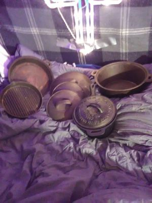 Cast iron cook set never used for Sale in Everett, WA