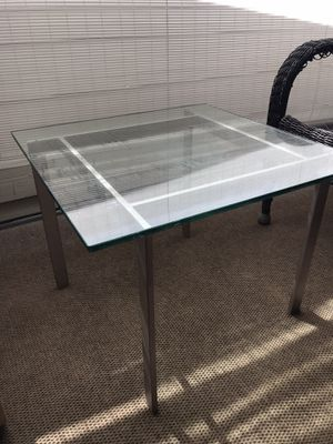 Glass small table for Sale in Walnut Creek, CA