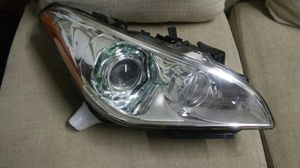 Infiniti parts m37 m56 q70 headlight passenger right for Sale in HALNDLE BCH, FL