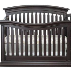 Sorean expresso certified baby crib for Sale in Alexandria, VA