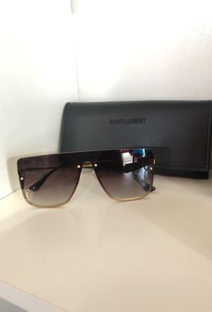 Sunglasses espejuelos YSL for Sale in Hialeah, FL
