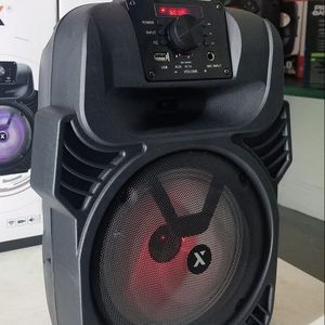 """Brand New 8"""" woofer bluetooth speaker rechargeable. Wired Microphone and remote control included. Nuevos en caja. for Sale in Miami, FL"""