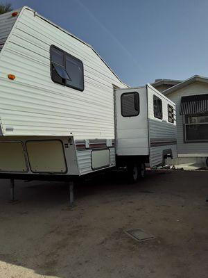 1994 nomad fifth wheel trailer for Sale in Phoenix, AZ