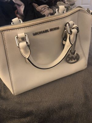 White Michael kors large purse for Sale in Land O Lakes, FL