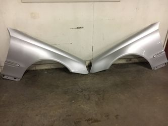Mercedes CLK320/350/500 Fenders Oem Fits Year 2003-2009 for Sale in South Gate,  CA