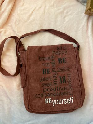 Crossbody purse for Sale in Cleveland, OH