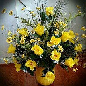 Handmade Yellow Rose Silk Flower Arrangement for Sale in Ashburn, VA
