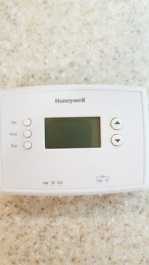 Honeywell Thermostat for Sale in Alexandria, VA