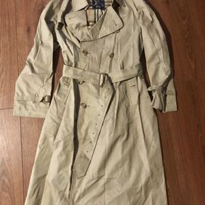 Burberry Men's Coat for Sale in Lynnwood, WA