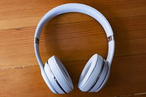 Beats Solo3 Wireless HeadPhones for Sale in Portsmouth, OH