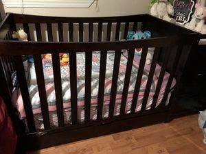 Baby Crib With Drawers for Sale in Mount Rainier, MD