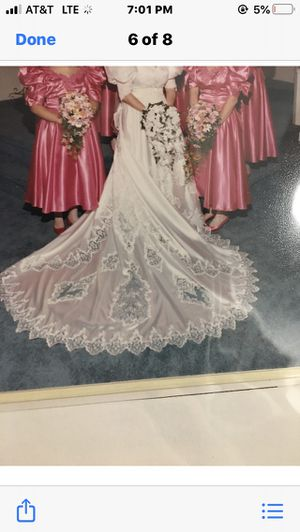 Beautiful Wedding Dress professionally cleaned and in box size 12 for Sale in Fayetteville, NC