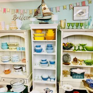 Ginormous vintage glass, Pyrex, kitchenware, retro home decor, artisan sale for Sale in Derwood, MD