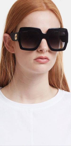 BLACK SLEEK DESIGNER SUNGLASSES - A must have for you sunglasses collection! for Sale in Warren, MI
