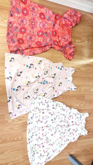 3pc girls size 4/5T dress bundle for Sale in Hillsboro, OR