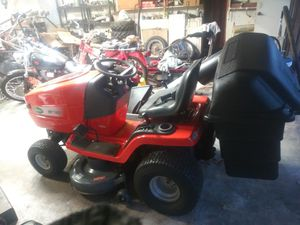 Scott's 42 inch lawn tractor in near-perfect condition with bag assembly for Sale in Roseville, CA