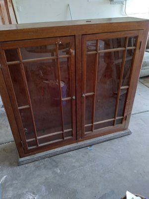 FREE Hutch cabinet with glass doors for Sale in Pumpkin Center, CA