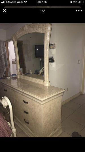 Bedroom set for Sale in El Paso, TX