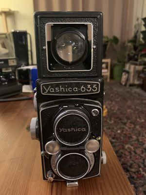 Vintage Yashica 635 with Yashica Flex case for Sale in Santa Monica, CA